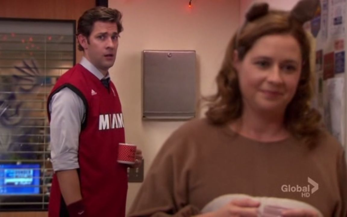 Jim realizes Pam believes in ghosts