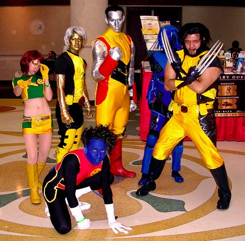 X Men costume group at comic convention